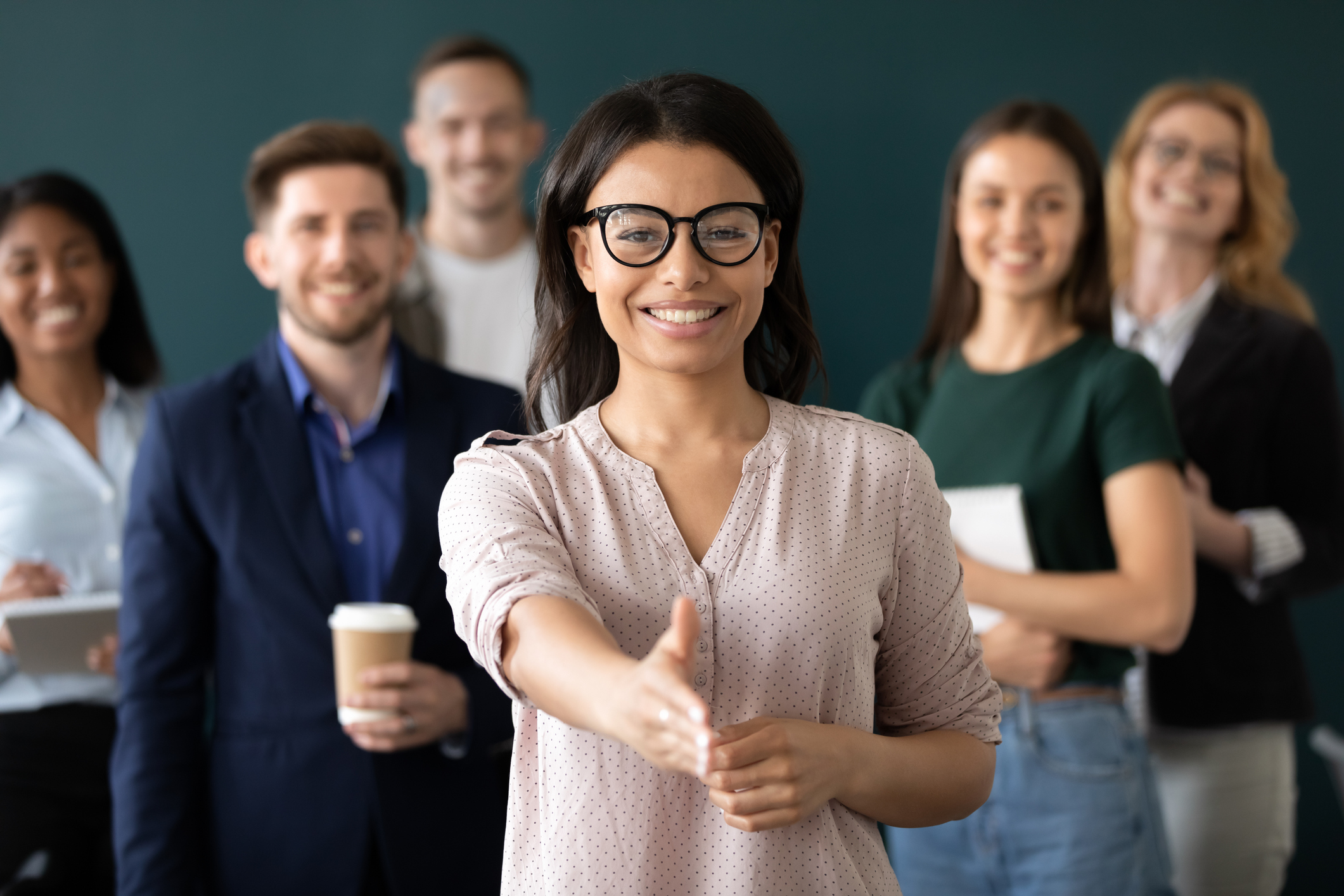 femme asiatique cherche emploi